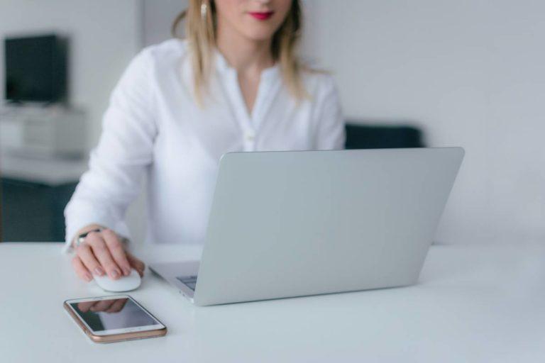 jak prowadzić konsultacje online