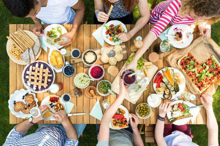 5 praktycznych porad żywieniowych na lato